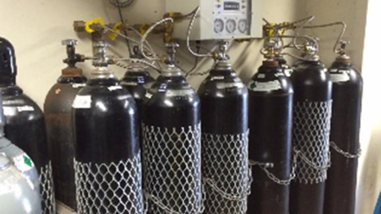 Misunderstanding of CO2 and Nitrous Oxide Cylinder Manifolds